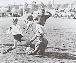 Lyseon jalkapalloa 1945.jpg